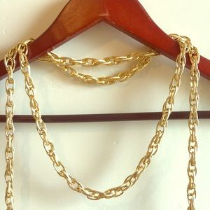 Jewelry - Chain necklace. Gold.